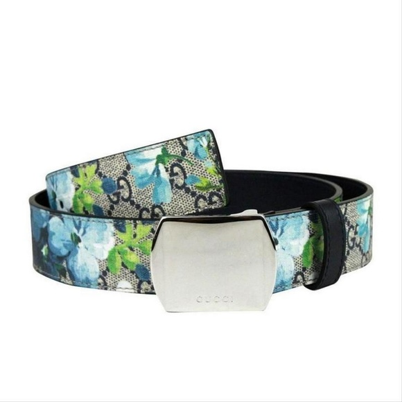 536f8b5c3a0 Gucci Silver Buckle Blue GG Supreme Bloom Belt